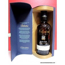 Ballantines LIMITED Scotch Whisky Wood Boxed
