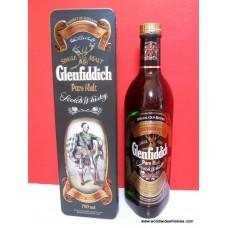 Glenfiddich Clan Macpherson Tin Box 750ml